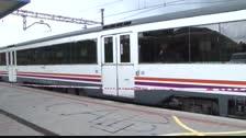 Tornen a interrompre la circulació de trens a Valls per presència de manifestants a les vies