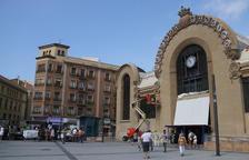 La majoria de parades del Mercat de Tarragona volen tancar els dissabtes a la tarda