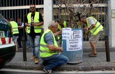 Los campesinos afectados por el fuego de la Ribera d'Ebre anuncian un nuevo corte de la C-12 en Flix el domingo