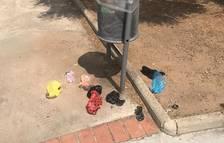 Grups de joves van buidar les papereres.