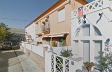 Un gos mort per inhalació de fum en l'incendi d'un habitatge a Valls