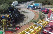 Crític el conductor d'un turisme que ha topat contra una olivera a Puigpelat