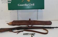Pla obert del fusell de guerra que ha incautat la Guardia Civil.