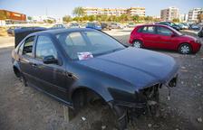 Els cotxes abandonats de Bonavista, un problema enquistat al barri