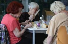 Aprueban cinco nuevas plazas privadas en el centro de día para personas mayores de Amposta