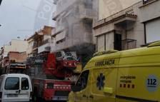 Incendi al carrer Conflent del Vendrell.