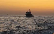 El pesquero se encontraba a la deriva a ocho millas de Tarragona.