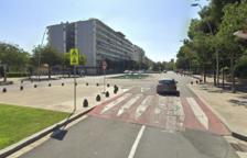 Atropellan a un anciano que cruzaba un paso de peatones con silla de ruedas en Reus