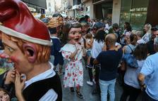 El Seguici es deixa estimar per petits i grans als carrers del centre de Reus