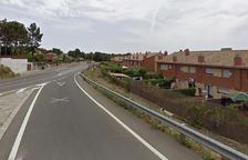 Un herido leve en un choque entre un coche y un ciclomotor en Els Pallaresos