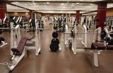 Imagen de una sala de máquinas de un gimnasio.