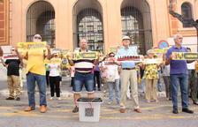 Un centenar de membres del col·lectiu 'Silenci, rebel·leu-vos' es concentren a Tarragona per commemorar l'1-O