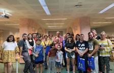 Fotografia de família de la recepció als nouvinguts a la Bisbal del Penedès.