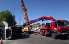 Vuelca un camión en Tarragona