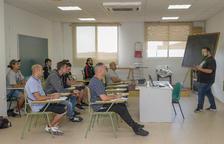 Una quinzena de persones fan un nou curs de carretoner a Constantí
