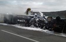 Muere el conductor de un camión que se ha incendiado a raíz de un accidente en la AP-7 en Ulldecona