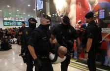 Un detingut per agredir un dels mossos que custodia l'estació de Sants
