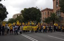 Tallen la Diagonal, la Gran Via i la Via Laietana de Barcelona, entre d'altres carrers, en protesta per les condemnes de l'1-O