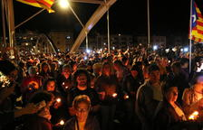 La encedida de un millar de velas, emotivo recuerdo de los condenados por el 1-O en Tortosa