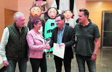La Pobla libra un donativo de más de 2.000 euros a la Associació La Muntanyeta