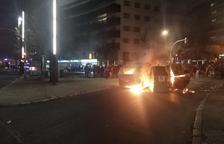 Manifestants tornen a alçar barricades pels carrers de Tarragona