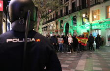 Centenars de persones protesten al centre de Madrid contra la sentència de l'1-O