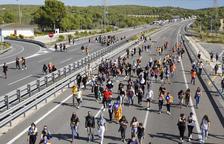 Centenars d'estudiants tornen a sortir a Tarragona i Reus per rebutjar la sentència de l'1-O