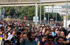 Detingut un conductor que va estar a punt d'atropellar diferents manifestants a Pau Casals