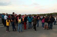 Un centenar de persones mostren a Mas Enric el seu rebuig a l'empresonament de Laura Solé i Joan Tortosa