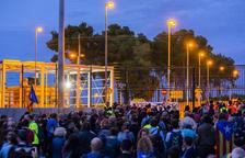 A la llegada de la marcha a Mas d'Enric, la concentración contó con unos 700 manifestantes.