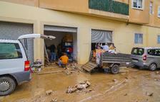 Las calles de Riudoms despiertan llenas de barro y agua