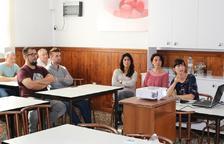 Voluntaris del menjador social de Bonavista reben formació del servei de cuina del Joan XXIII