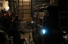 Cinco mossos d'Esquadra heridos en los disturbios en Barcelona, uno de ellos grave al caer de un vehículo policial