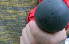 El Colegio de Médicos pide al Congreso prohibir el uso de pelotas de goma a los cuerpos policiales españoles