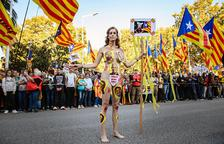 Jil Love. l''artivista' tarragonina que es va despullar per la independència