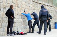 Amplio dispositivo policial para evitar un nuevo corte en la Jonquera