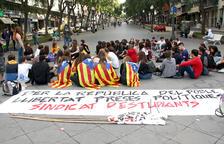 Estudiants de secundària reclamen l'alliberament dels presos independentistes a Tarragona
