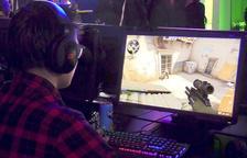 Las 'gamers' denuncian el machismo que viven en internet