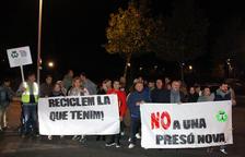 Mig centenar de persones es manifesten contra el nou Centre Penitenciari Obert de Tarragona