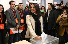 Arrimadas: «Anar a votar a Catalunya servirà perquè l'odi deixi pas a la convivència»