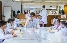 «Volem despertar la vocació científica amb experiments reals»
