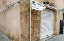 Una fruiteria de la Part Baixa pateix un robatori per un grup «conegut al barri»