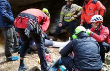 Rescaten una excursionista ferida al turmell als Avencs de la Febró