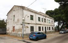 Adif pone en venta un edificio del lado de la estación de Vila-seca