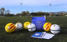 La Federació Catalana de Futbol reparteix més de 3.500 pilotes entre els clubs catalans