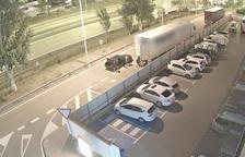 La banda tallava les lones dels camions per comprovar el contingut de la càrrega i després procedin a robar-la.