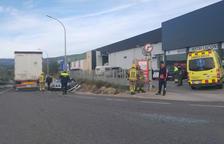 Un ferit lleu en un accident a Valls entre un camió i un cotxe