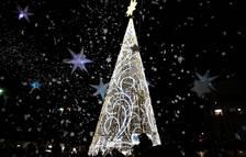 Imagen de la Plaza del Mercadal iluminada