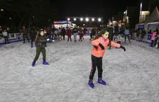 Alguns dels patinadors que aquest cap de setmana han inaugurat la pista