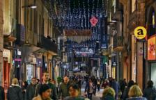 Llums de Nadal que guarneixen el Carrer Monterols